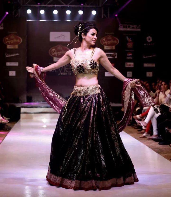 Anaida Adiana stunned everyone in 40 meters flair lehnga