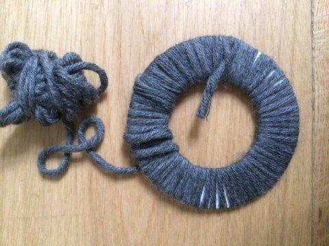 Pompon aus Wolle selber machen - kostenlose Anleitung