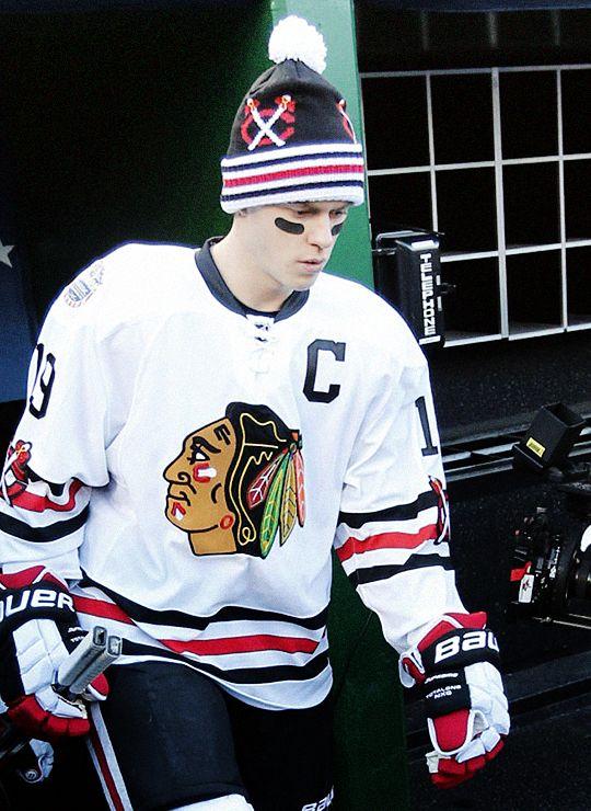 Jonathan Toews Chicago Blackhawks Winter Classic.