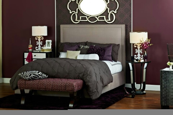 Deep purple burgundy and browns bedroom decor master for Black and burgundy bedroom ideas