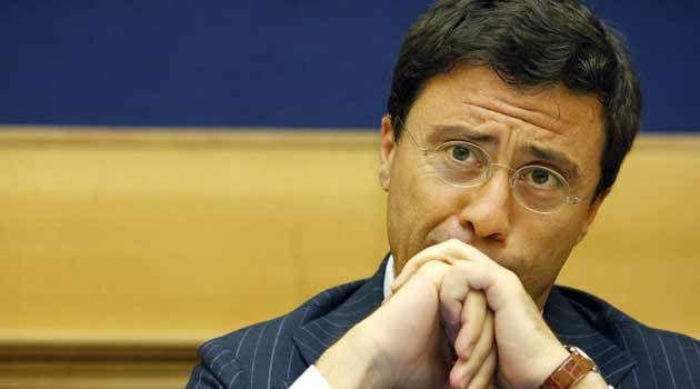 """Corvino:""""L'ex deputato Italo Bocchino fu appoggiato da clan"""""""