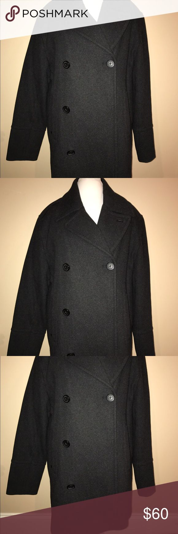 """Gray Men's Marc Jacobs Pea Coat XL WORN ONCE This gorgeous, think, amazing men's pea coat is far beyond """"on sale"""". It was worn once and dry cleaned for sale. The front has luxurious buttons and military style shoulders complete this statement piece. Marc Jacobs Jackets & Coats Pea Coats"""