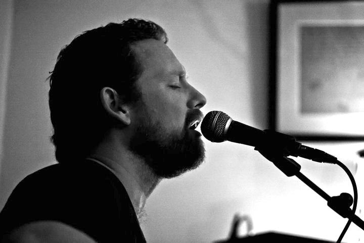 Hugh McGinlay - singer songwriter