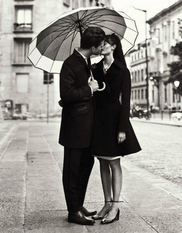 ✕ Beautiful moments… / dustjacket attic: Romance In The City (by nikolay biryukov) / #bw #romance #city