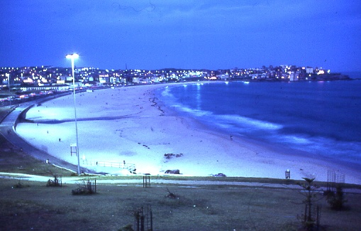 Beaches at dusk, Bondi beach, SydneyFavorite Places, Places I D, Bondi Beach, Beach Town, Exploration Bondi, Professor Beach