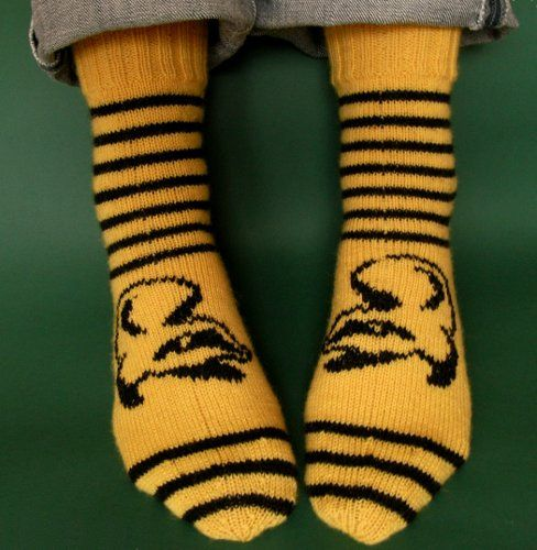 Hurray Hufflepuff by Karen S. Lauger. Free pattern on Ravelry at http://www.ravelry.com/patterns/library/hurray-hufflepuff
