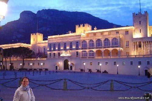 10687-me-with-monaco-castle-all-lit-up-monte-carlo-monaco.jpg (500×332)