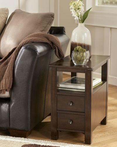 Chairside End Table..cute and small