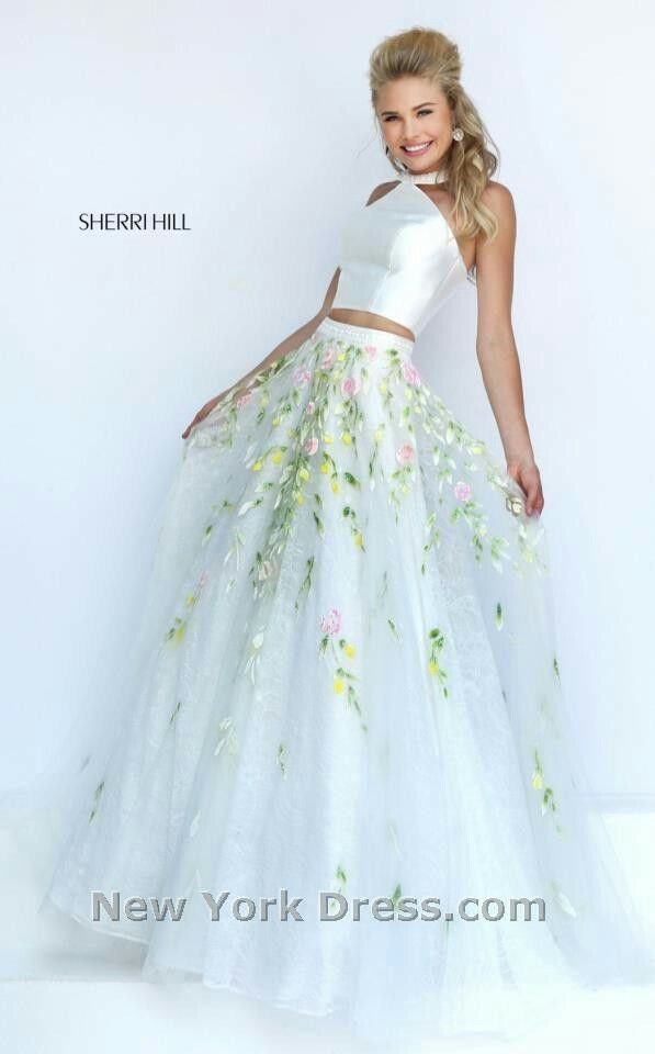 i love the bottom....not so sure about the rest of the dress