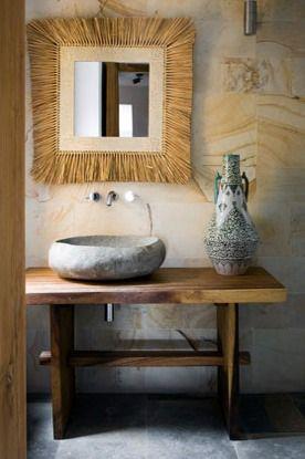 Lavamanos de piedra en casa en Ibiza ...
