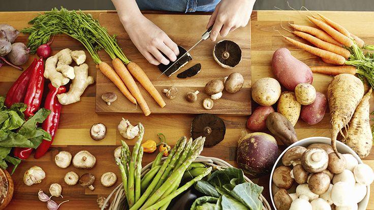 9 tips til å spise sunt og billig på et studentbudsjett - Kjøp frukt og grønt etter sesong