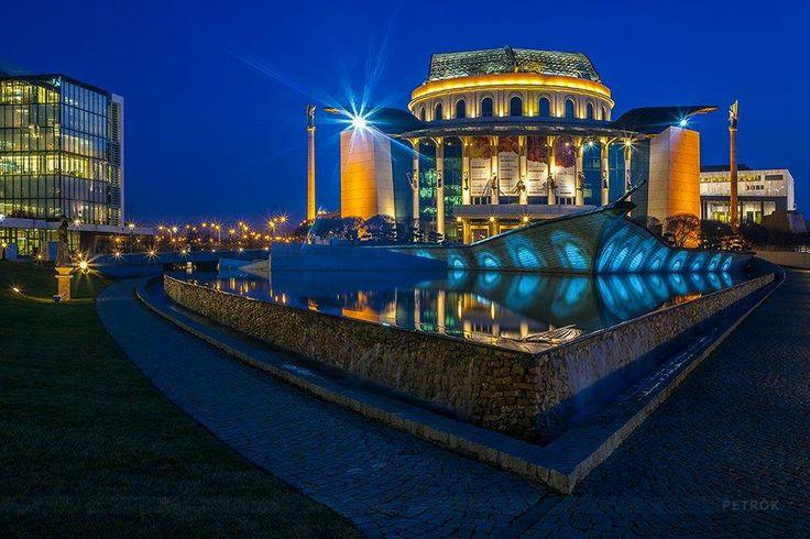 Budapest. Nemzeti Színház.(National Theatre) Hungary. Foto: Petrók György