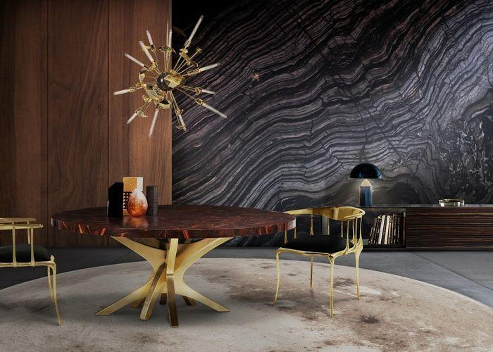 Ausgefallenes Modell Von Einer Lampe Mit Sonnenoptik, Esszimmer Mit  Luxuriösen Möbeln