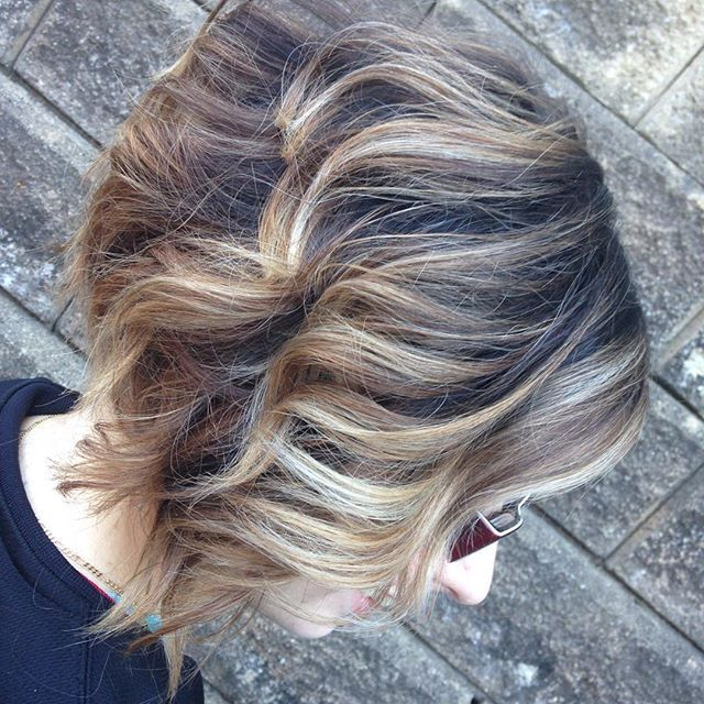 Balyage inverted wavy bob hairstyle. Could do these waves in the back and not even try...