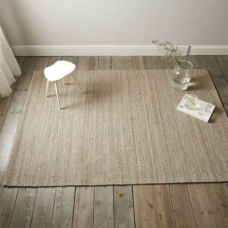 Want to add a statement design feature to your flooring? Style it up with a sexy seagrass rug or a full-covered carpet.