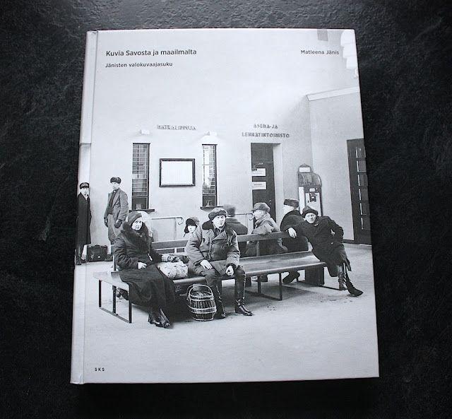 Lasituvan Miniatyyrit - Lasitupa Miniatures: Katin kirjanurkka - Kuvia Savosta ja maailmalta