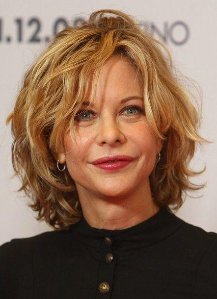 Cute except for her mouth OMG Layered wavy hair with bangs | Meg Ryan Curly Bob