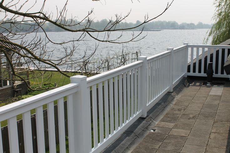 Form-A-Fence de kunststof specialist verzorgt in 's-Gravenzande en omgeving. Wij zijn gespecialiseerd in: balustrades, balkonhekken, tuinhekken, schuttingen, sierhekwerken, terrasschermen, veranda's en terrassen. | Projecten