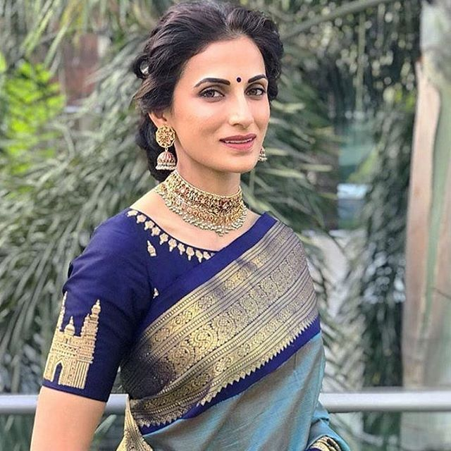 Looking for necklace to wear with sarees? Here are adorable necklace designs that you can wear from trendy to traditional sarees.