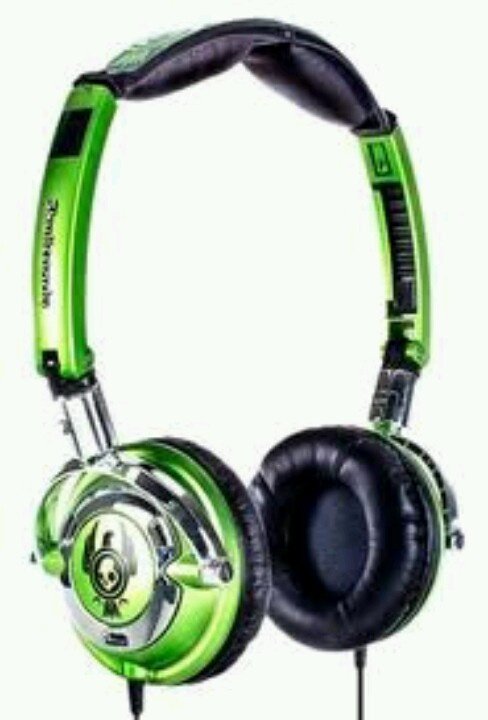 Limited edition neon skullcandy..