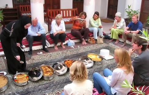 Sheikh Mohammed Centre for Cultural Understanding lessons on Emirati culture and breakfast