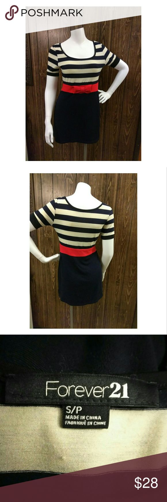 🍒FOREVER 21🍒 Striped Nautical inspired dress Excellent pre-loved 💖 condition, nautical inspired striped design. A Knit Dress with a round neckline and short sleeves. Petite smqll Forever 21 Dresses Mini