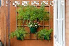 Monte uma treliça de jardim com Cabos de Vassoura - Madeira - Arte Reciclada