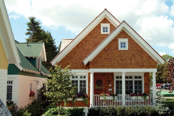 17 best images about shingle siding ideas on pinterest for Cottage siding ideas