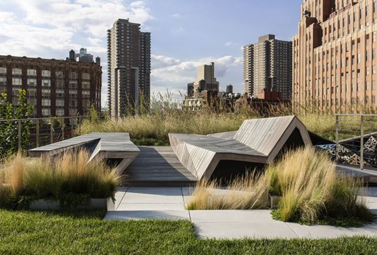 Tribeca Penthouse Gardens in New York. By HMWhite Site Architecture l Landscape Urbanism.