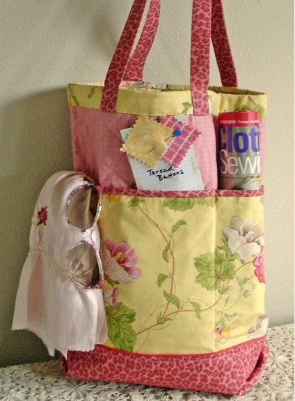 """#FreeSewingPattern - check out this adorable Shopper's Fancy Tote Pattern by Indie Designer Jo-Lydia's Attic! We love the deep side pockets and the adorable variety of colors and patterns on the fabric! Click the image to get your free instant download of the pattern and click """"Repin"""" if you think this is the perfect bag to carry to and from your favorite fabric store! #sewing #pattern: All Patterns, Free Sewing, All Free, Shopper Fancy, Crafts Ideas, Fancy Totes, Totes Bags, Free Patterns, Sewing Patterns"""