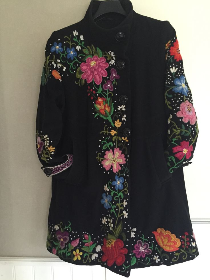 My coat! Wool Embroidery by hand. Swedish Dala-Floda Påsöm/stitch. It was so fun to make.
