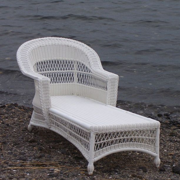 Outdoor Wicker Chaise   Cape Cod Style