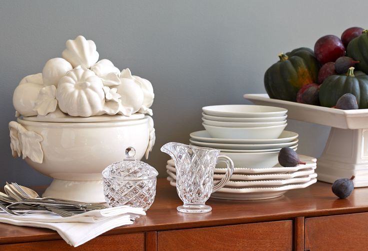 With the holiday on the horizon, now's the time to refresh your cookware basics and bring in special seasonal pieces for the table. From classic glassware to richly hued linens, this mix is full of finds you'll love to use now and during the months ahead.