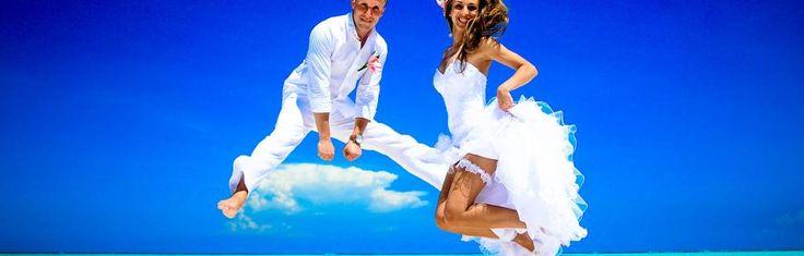 Все виды стилизованных свадеб имеют свои плюсы и минусы. И обязательно следует учесть, что то или иное стилизованное свадьбу можно устраивать только для конкретной компании, в которой ярко выражены те или иные предпочтения.Современная свадьба в европейском стиле - это самый распространенный тип свадеб: он удобен и интересен молодежи с западным мышл...