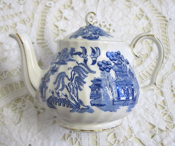 Vintage Sadler Willow Pattern Teapot Blue and by TheWhistlingMan