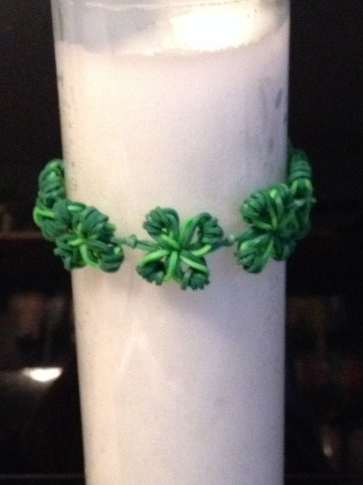 Rubber band Shamrock Bracelet made by Linda Kolasa   Inspired by Made by Mommy's snowflake charm.