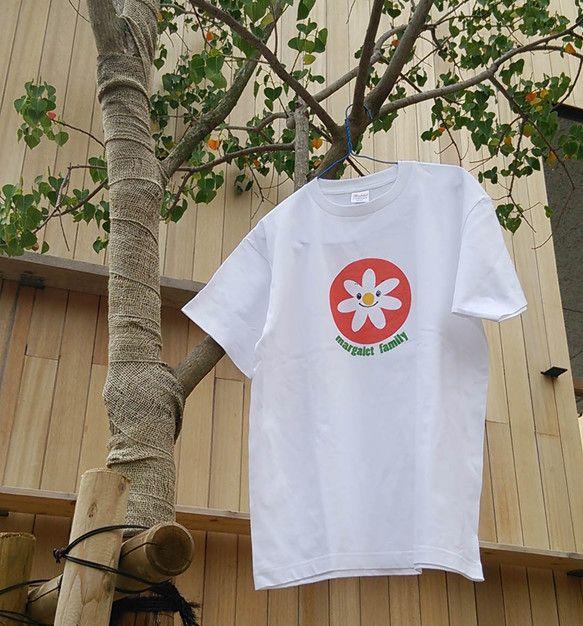 びーんずわーくにようこそ!親子でペアルックのできるTシャツをご紹介します。2014年夏の新作で、「マーガレットちゃん」というお花のキャラクターをデザインしまし...|ハンドメイド、手作り、手仕事品の通販・販売・購入ならCreema。