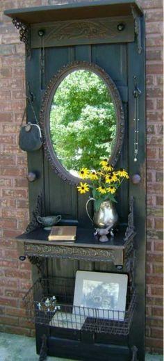 10 Ideas para reciclar una puerta vieja. No subestimes el poder de una puerta antigua.   Mil Ideas de Decoración
