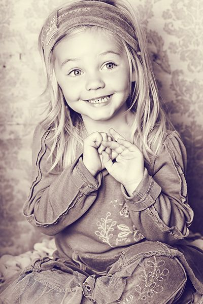 How beautiful...I hope my little girl let's me dress her up and take tons of pictures :)