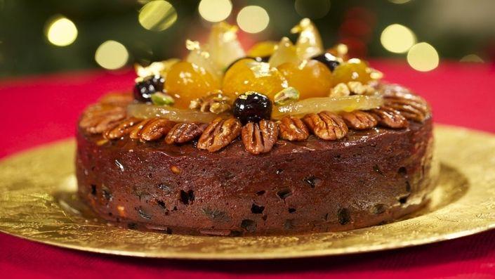 How to make the perfect Chocolate and Orange Christmas Cake by Eric Lanlard on Food Network UK.