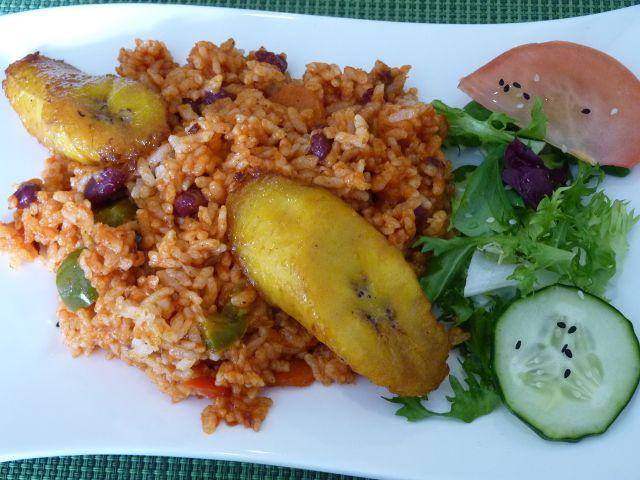 C/ Adolfo Muñoz Alonso 2, 03005 Alicante. Tlf. 966 379 442 Único restaurante vegano en la ciudad de Alicante, que además cuenta con opciones sin soja y sin gluten (aunque no dispone de pan sin glut…