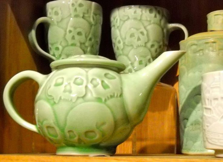 skull tea set