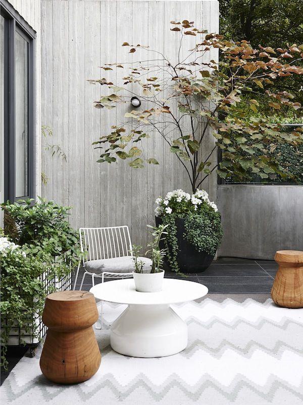 Outdoor Garden Setting | The Design Files