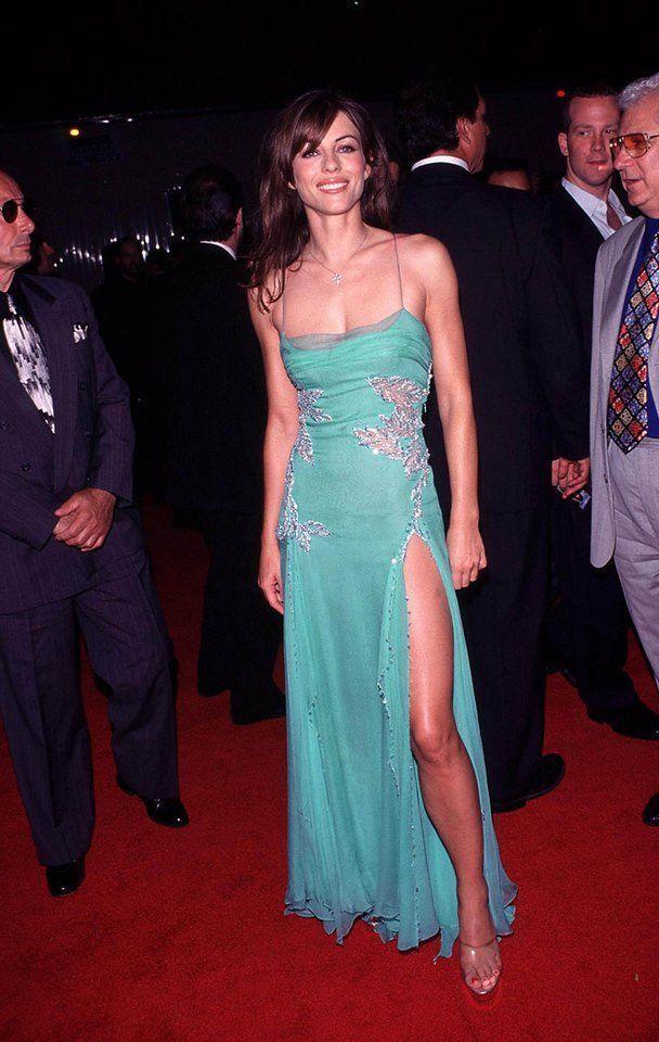 Elizabeth Hurley S Top 10 Show Stopping Versace Looks Elizabeth Hurley Hurley Dress Dresses