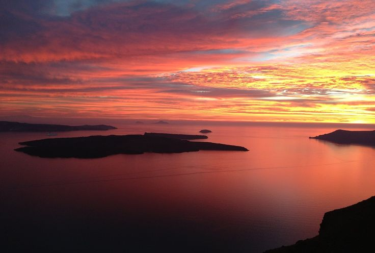 Mesmerizing Santorini sunsets bring your timeless days of romance to a close...