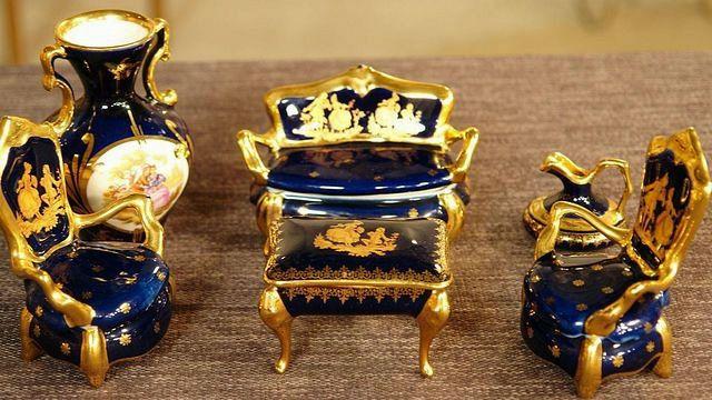 Limoges Porzellan,Puppenmöbel, ca.50 Jahre alt, mindere Qualität  Wert 100 €