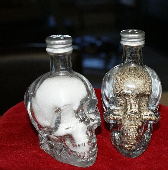 Skull Salt & Pepper Shakers