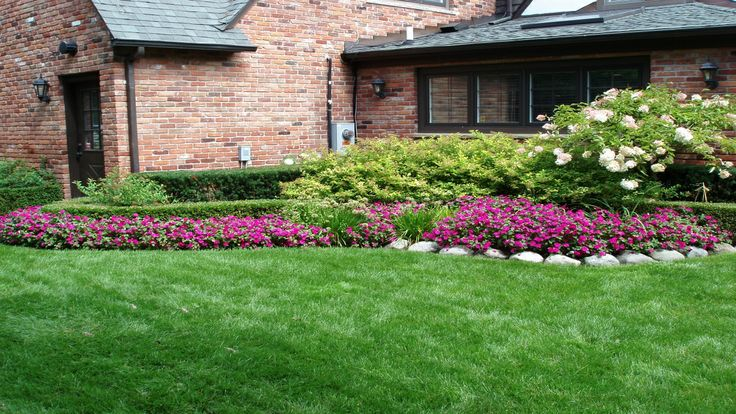 Front yard landscaping ideas on a budget yard for Simple garden designs on a budget