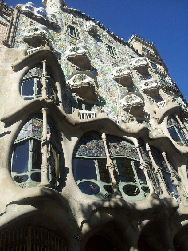 Barcellona. Casa Batllo'. Gaudi