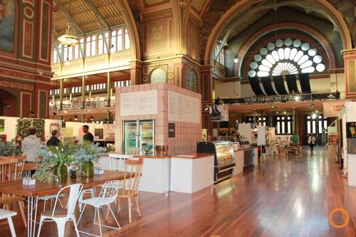 Once again ExpoNet were delighted to deliver Life Instyle within the stunning Royal Exhibition Building in Melbourne. Life Instyle isAustralia'sonlyboutique trade event showcasing emerging trends, brands and products that are on the cooler side of style and design. Utilising our sleek white walling throughout the show, we created several feature areas within the event including the build of the central cafe and the stairway arches.
